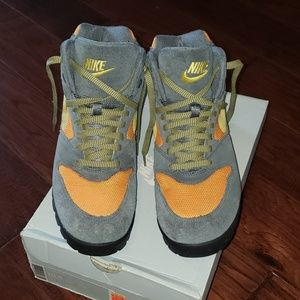 Nike Boots 10